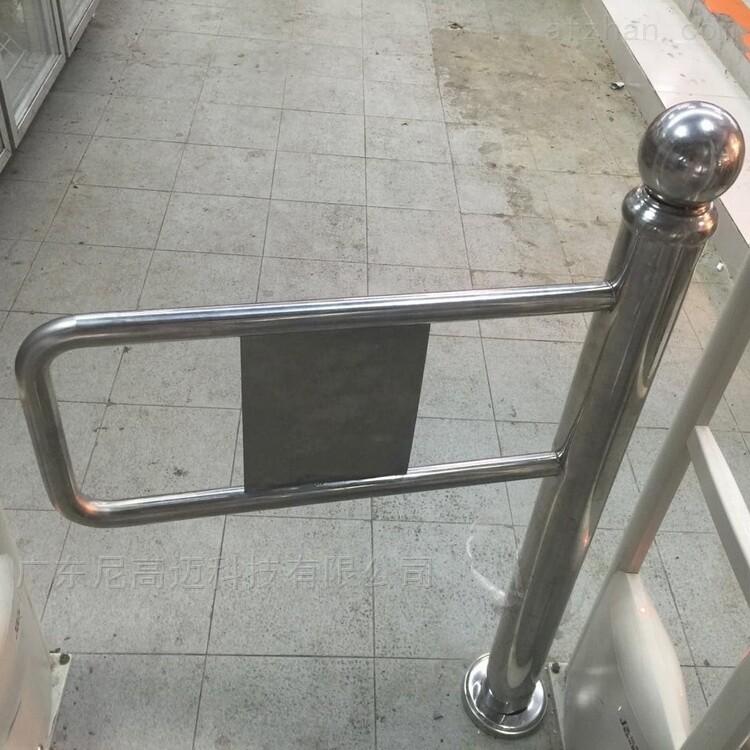 不锈钢单向立柱摆闸回弹门