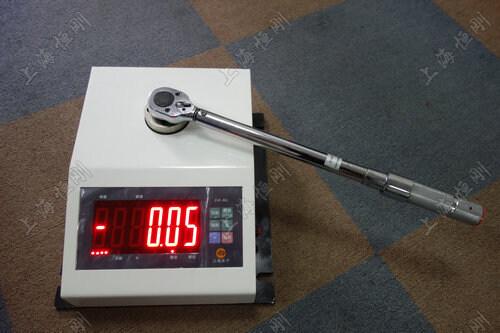 便携式扭力扳手检测器